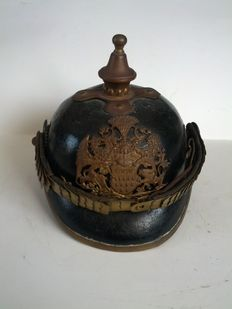 German leather spiked helmet - Pickelhaube - Polizeiwachtmeister- officer -  ball emblem - M - 1895