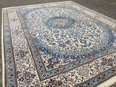 Oversize almost 12 square meters approx. 349 x 300 cm - Persian royal NAIN - with certificate of authenticity - in good condition!