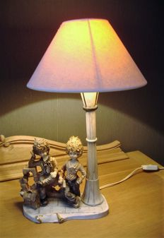 "Capodimonte table lamp ""Scholar boys"""