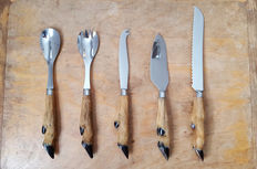 Serving cutlery with deer legs hoof, five parts Vintage french taxidermy