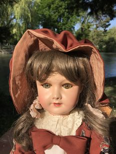 Large French articulated girl doll PARIS 301 12 71 149 12