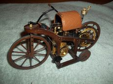 """1885 Daimler """"Reitwagen"""" by Franklin Mint Precision Models  - Scale 1/8 -  As good as new."""