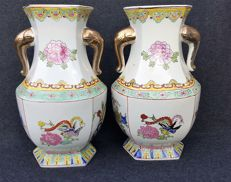 Set of six-sided famille rose vases with cranes, 35 cm high – China – circa 1970