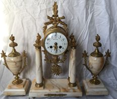 Special beautiful Louis XIV Sun King clocks set with two empire with two pendants, brand Rossignol - 19th century