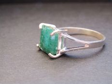 Ring in 925 Silver with 17.5 ct emerald – Diameter: 17.5 mm