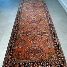 Beautiful Sarouk Persian carpet - 200 x 80 - collector's item.