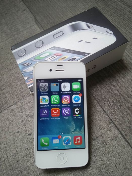 iphone model a1332 apple iphone 4 8gb white in original box simlock 615