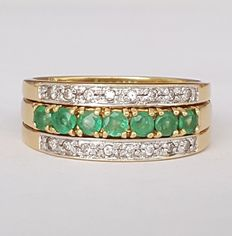 18 kt – Two rings combinable with each other set with diamonds and emeralds – Size: 17.2 mm – 14/54 (EU) – Weight: 7.3 g