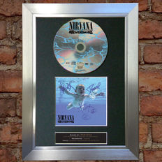 Nirvana - Lot of - Nevermind CD Signed by the Band ( Print )