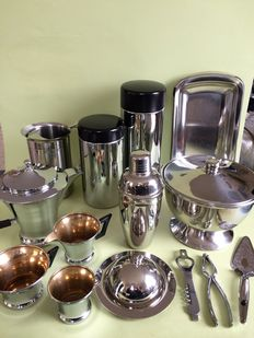 14 piece lot of stainless steel kitchen items.