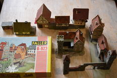 Faller H0 - B-923 -Retro-romantic city centre /  stronghold
