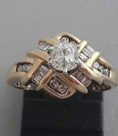 Gold ring with diamonds, 0.65 ct