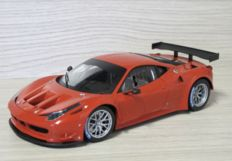 Hot Wheels Elite - Scale 1/18 - Ferrari 458 Italia GT2 - Red