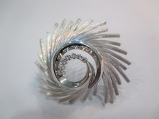 White gold brooch from the 1950s