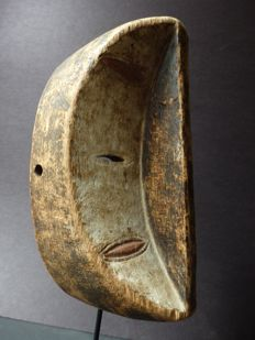 African 6 eyed facial mask in wood - KWELE - Gabon