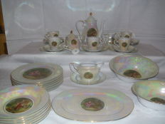 Mother of Pearl - mother of pearl porcelain dining and coffee service - baroque style - 40 piece