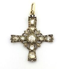 14 kt gold cross with rose cut diamonds, approx. 0.70 ct