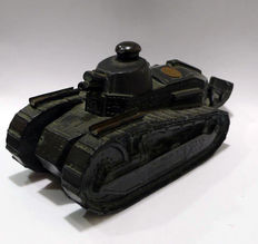 Ronson tabletop lighter, scraper or flint of magnesium with the shape of combat tank - G.B.W. 1919