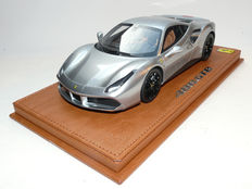BBR - Scale 1/18 - Ferrari 488 GTB, Grigio Titanio, Red Foot