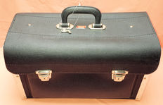 Tool bag for your (modern) classic car - TAYG old stock