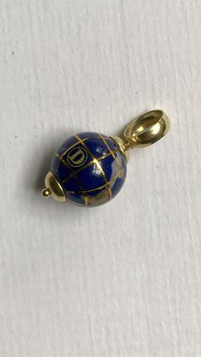 Gold globe pendant of 18 kt with lapis lazuli