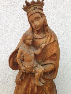 Very interesting wooden figure of Mary with child - approx. 1650-1700