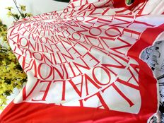 VALENTINO – XL scarf in red and white, 100 % silk, label application