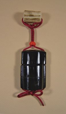 A black lacquer ware on wood ('urushi') 'inrō' - Japan - 1st half 19th century (Edo period)