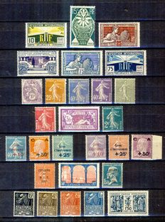 France 1927/1930 - Selection of semi-modern stamps - Yvert no. 210/215, 233/240, 246 to 251, 236/265, 270/274