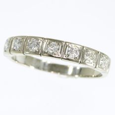 White gold Retro ring with 7 brilliants - anno 1950 - Ring size: EU-56 & 17¾, USA-7½, UK-O½