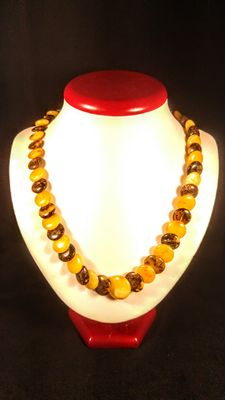 Antique Baltic amber round-flat beads necklace, 34 grams