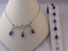 Ladies 925 Silver necklace and bracelet with Amethyst Weight: 23.97 g.  Length necklace: 40 cm. Length bracelet: 19.5 cm.