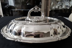 Silver plated Walker & Hall tureen and cover, engraved with the flag of the White Star Line shipping company.