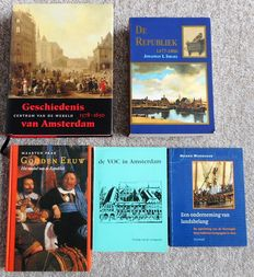 Lot with five books about the history of Amsterdam, The Republic in the Dutch Golden Age and the VOC - 1982/2004