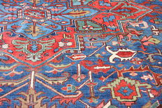 "Rare Antique Persian Heriz large size carpet in blue and red colours size 420cm x 350cm (13'8""x11'5"")"