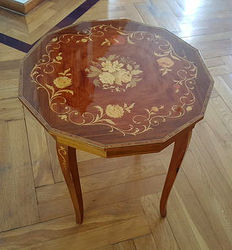 ltalian Music box table with marquetry, second half 20th century