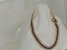 Akoya pearl necklace, 3 strands - White and blue-grey colour - Gold clasp 14 kt - 7 mm / 6 mm