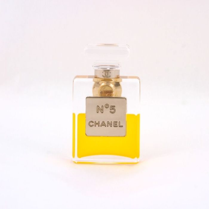 Chanel - No. 5 with pin brooch - new