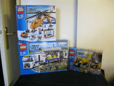 City - 60034 + 60044 + 4201 - Arctic Helicrane + Mobile Police Unit + Loader and Tipper