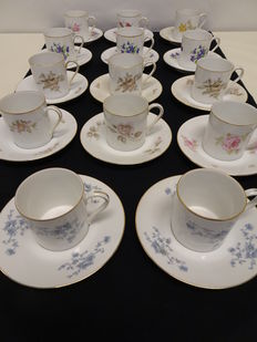 Fourteen Rosenthal cups and saucers