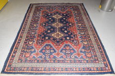 Persian Sirjan carpet, 20th century  240 x 175 cm – No reserve price, bidding starts at €1.