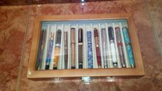 Lot of 12 fountain pens