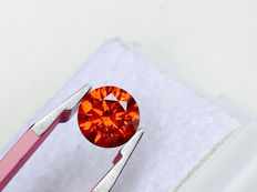 Red Diamond - Brilliant Cut - 0.855 ct - without reserve price