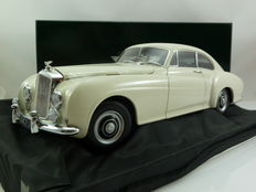 Minichamps - Scale 1/18 - Bentley R-Type Continental - 1954
