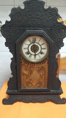 Antique clock – Manufactured by: Waterbury clock U.S.A – Year 1895 to 1905