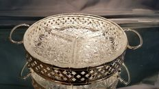 Elegant appetizer platter with openwork decoration and 3-compartment glass liner