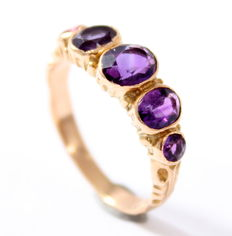 14 kt gold ring set with amethyst, ring size 16 – No reserve
