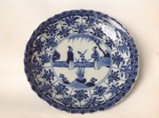 Plate with scenery of a garden - China - early 18th century (Kangxi period)
