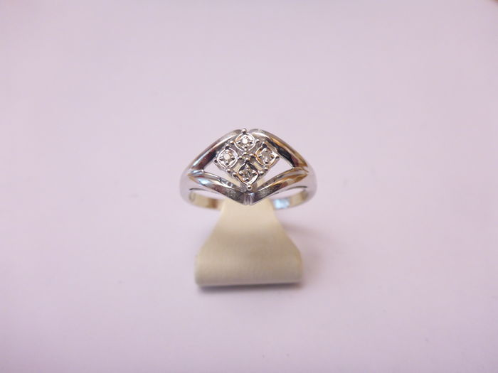 14 kt gold ring with diamond, size: 17.5