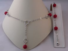 Ladies 925 Silver necklace and bracelet with Red Coral Weight: 30 g.  Length necklace: 46 cm. Length bracelet: 19 cm.